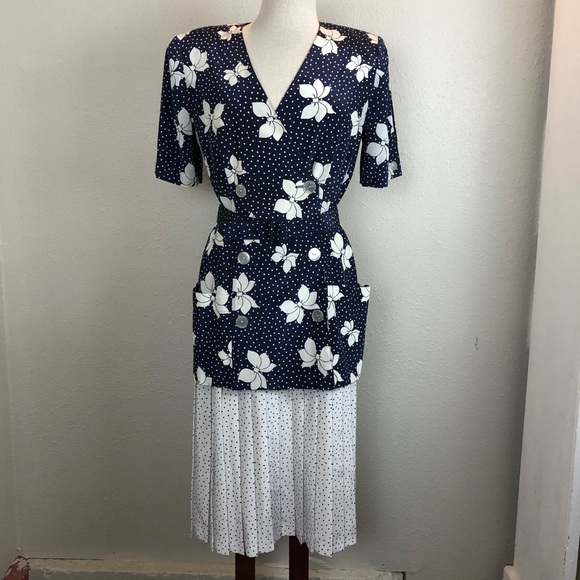 Leslie Faye Dress Suit Size 10